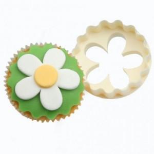 Découpoirs à cupcakes FMM fleur, disque à bordure festonnée 6 pièces