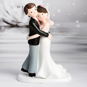 Figurine mariage couple enlacé
