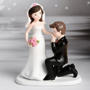 Decorative Figure Wedding - Wedding Couple Handkiss