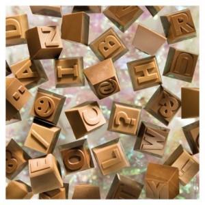 Moule 24 chiffres et lettres en polycarbonate pour chocolat