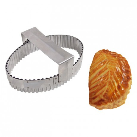 Apple turnover cutter with handle stainless steel 170 x 120 mm